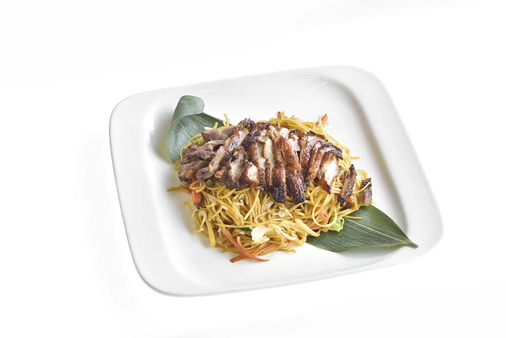 Noodles Lo Mein With Crispy Duck